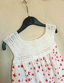 Detské oblečenie - Háčkované detské šaty s nariasenou sukňou - 8377670_
