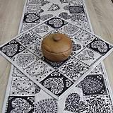 - Srdiečková romantika čierna na režnej - obrus štvorec(2) 42x - 8378718_