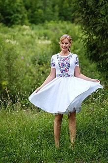 Šaty - Maľované folk biele šaty s krátkym rukávom... - 8380215_