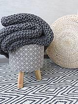 Úžitkový textil - Pletená deka 130 x 200 cm - tmavošedá - 8381223_