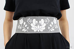 Šaty - Dámske šaty čierne s opaskom - 8379221_