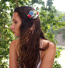 Ozdoby do vlasov - Folklórny kvetinový hrebienok - 8384311_