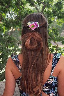 Ozdoby do vlasov - Farebný kvetinový hrebienok - 8384313_