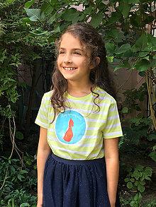 c4c40bff2188 Iné čiapky. Detské oblečenie - Detské pásikové tričko NIKDY NEPRESTÁVAJ  SNÍVAŤ (žltá biela) - 8385523