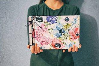 Papiernictvo - Fotoalbum klasický, polyetylénový obal s potlačou kvetov (dočasne nedostupné) - 8387227_