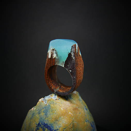 Drevený prsteň: Kúsok od stredu Zeme