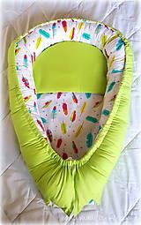 Textil - hniezdo pre bábätko, pierka v kombinácii so zelenou(85X56 cm) - 8392892_
