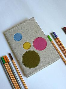 Papiernictvo - Obal na zápisnik A5 - farebné kruhy na režnej - 8393187_