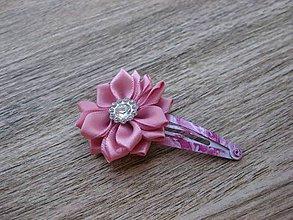 Ozdoby do vlasov - Pukačka s textilným kvietkom (ružovým kvetom č.1060) - 8394268_