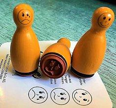 Pomôcky/Nástroje - Pečiatky smejkovia 3 ks - žltá - 8395234_
