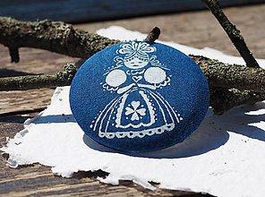 Odznaky/Brošne - Brošňa modrotlač bábika - 8398163_