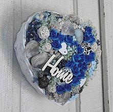 Dekorácie - Srdce s modrými ružami s nápisom HOME - 8398701_
