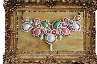 Náhrdelníky - Soutache - náhrdelník ružovozelený - 8399662_