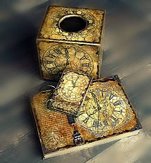 Krabičky - Pre kráľa -vintage krabica na servítky vreckovky-darček aj pre muža - 8398773_