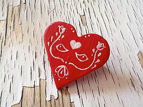 Odznaky/Brošne - maľovaná FOLKLÓRNA brošňa červená - 8401508_