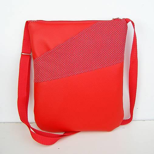 5ec1b78077 ZĽAVA Červená Crossbody kabelka   zu - SAShE.sk - Handmade Kabelky