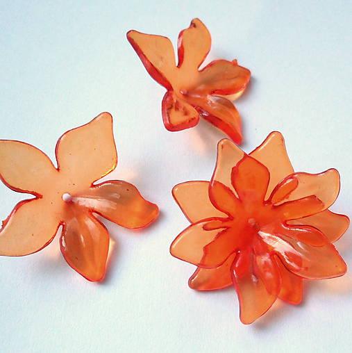 Kvet plast 29mm-oranž-1ks