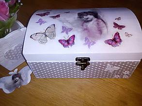 Krabičky - Dievčenská šperkovnica - V objatí motýľov - 8403302_
