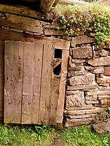 Grafika - Za dverami - 8404365_