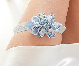 Bielizeň/Plavky - Belasý modrý kvetinový svadobný podväzok - 8402326_