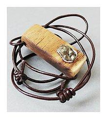 Náhrdelníky - Bruško; drevený prívesok s titánovou drúzou - 8406776_