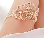 Bielizeň/Plavky - Béžová kvetinová čipka (telová, nude, champagne) - podväzok - 8404791_