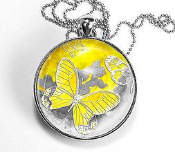 Náhrdelníky - Žltý motýl - autorský náhrdelník - velký - 8408027_