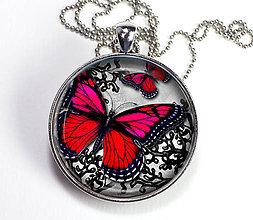Náhrdelníky - Červený motýl - autorský náhrdelník - velký - 8408049_