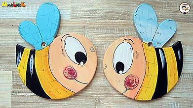 Detské doplnky - Dekorácia na zavesenie - včielka - 8412354_