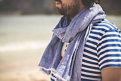 Doplnky - Pánska štýlová šatka z francúzskeho ľanu s koženým doplnkom - 8416262_