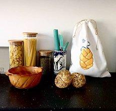 Úžitkový textil - Vrecúško na chlebík z prírodného materiálu - 8416207_