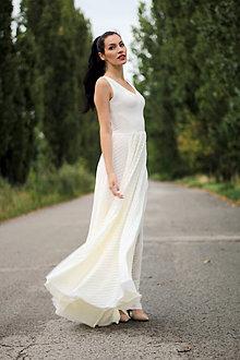 Šaty - Dlhé šaty s bodkovaným šifónom - 8422315_