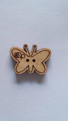 Galantéria - G115 Gombík drevený (motýľ 2,2 x 1,8 cm) - 8419942_