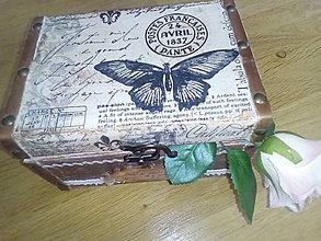 Krabičky - Šperkovnica truhlica Motýľ Avril - 8426496_