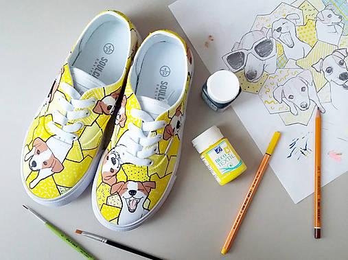 Yellow Dogy