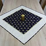 - Zlaté srdiečka na modrej - obrus štvorec 68x68 - 8430364_