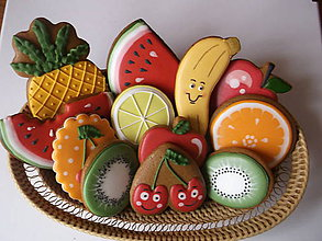 Dekorácie - medovníkové ovocie  :) - 8433357_