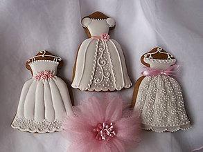Dekorácie - medovník-svadobné šaty - 8433414_