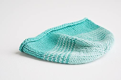 Pletená čiapka pre bábätko - tyrkysová