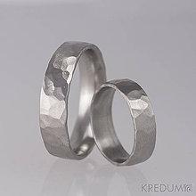 Prstene - Kovaný nerezový snubní prsten - Draill - 8436964_