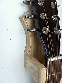 Nábytok - Vešiak gitary na stenu - 8437763_