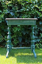 Starosvetský konzolový stolík