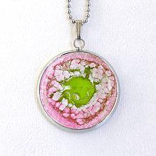 Náhrdelníky - Zrodenie planétky - ružovo-zelený náhrdelník - 8440105_