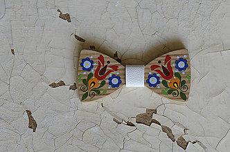 Doplnky - Na dreve maľované • drevený motýlik - 8445739_