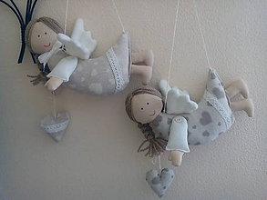 Dekorácie - anjel na zavesenie malý z režného plátna - 8443397_