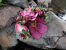 Ozdoby do vlasov - schovaná v koutku zahrady - 8444577_