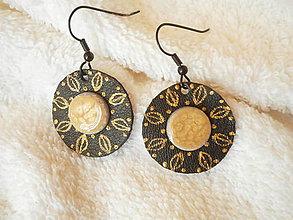 Náušnice - Náušnice koženo-polymérové, *zlaté lístky - 8444051_