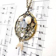 Náhrdelníky - Power of Love Necklace / Náhrdelník perly a jadeit v bronzovom prevedení /0531 - 8447443_