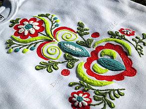 Detské oblečenie - Maľovaná ľudová výšivka - 8446844_
