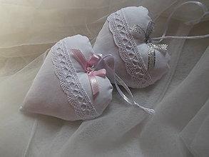 Darčeky pre svadobčanov - Biele svadobné srdiečká - 8449091_